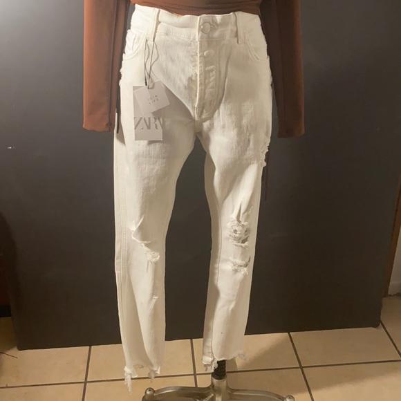 Zara distressed jeans size 32